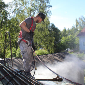 Katto tulee pestä ennen katon maalausta - Katon maalaukset Uudellamaalla